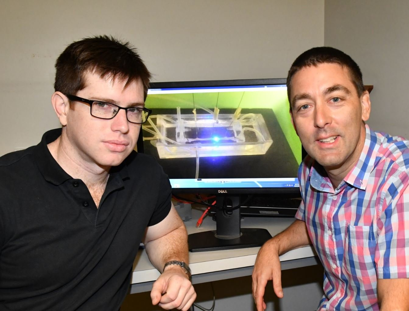 Dr Tim Hibberd and Professor Nicholas Spencer at their Flinders University neuroscience laboratory. Credit: Flinders University